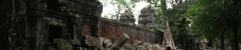 Ta Prohm na een fikse regenbui,Siem Reap (Cambodja)